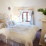The double bedroom in Chess Cottage